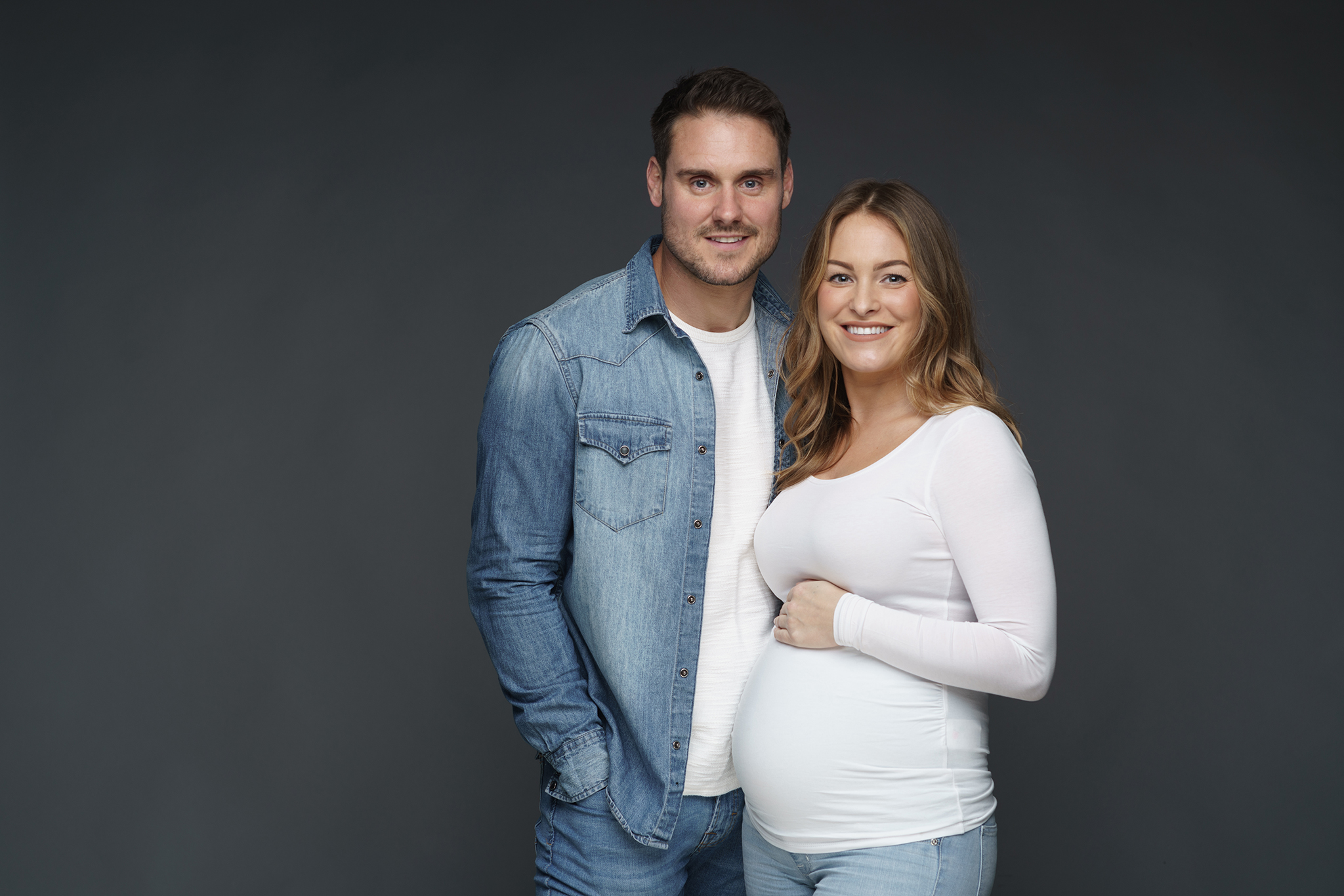 couple maternity portrait pregnant mum by Family photographer Lancashire