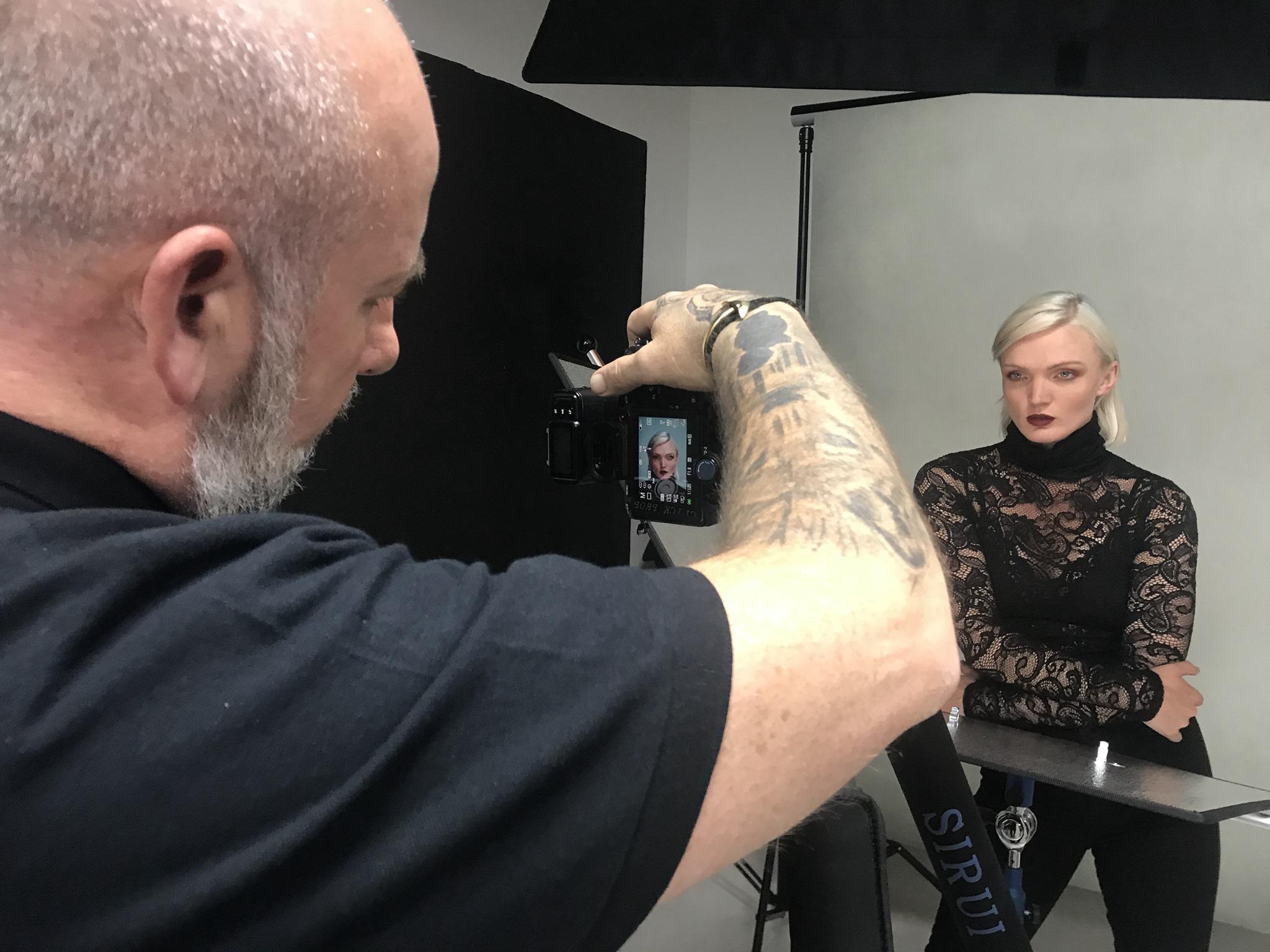 headshot with one light by gary hill in Studio lighting training